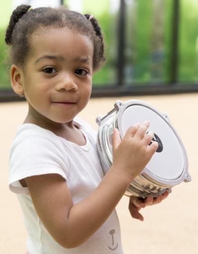 Éveil musical : comment accompagner son enfant dans la découverte des sons