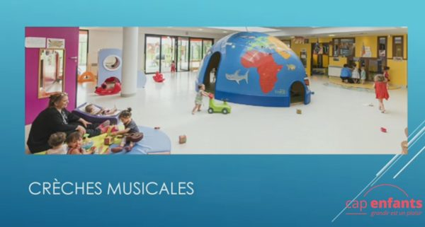 Cap Enfants Creches musicales assises
